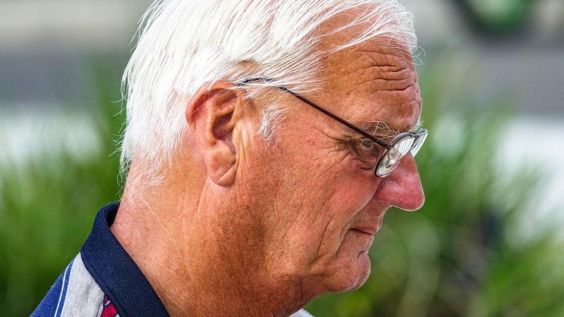 10 nuevos cursos de atención a mayores que podrían interesarte