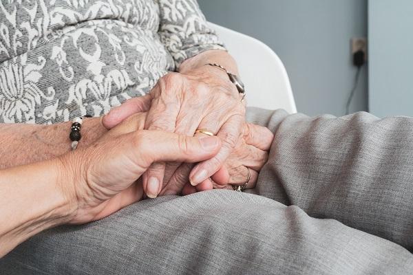 Cómo detectar los primeros síntomas del Alzheimer