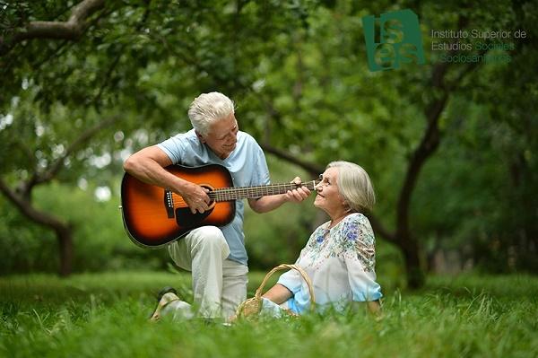 Cómo la musicoterapia puede ayudar a nuestros mayores