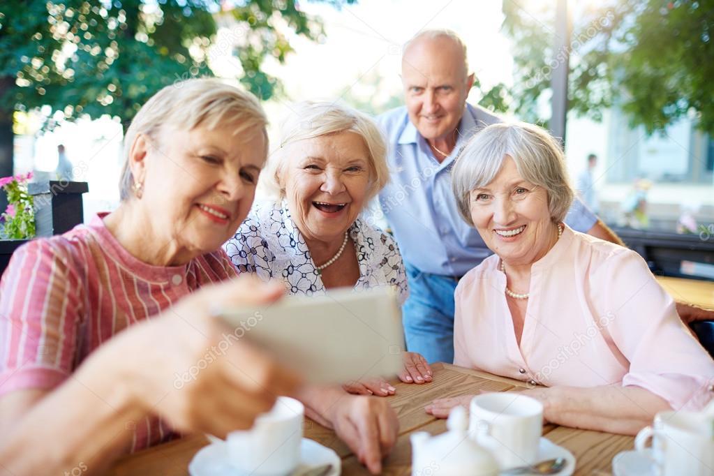 La importancia de la sociabilización en mayores