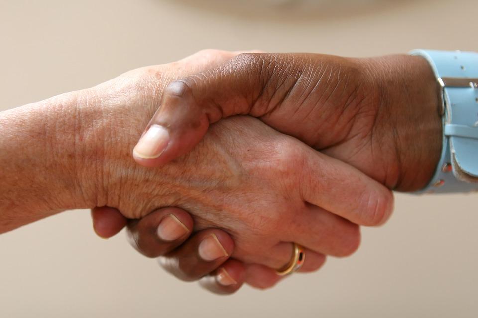 Cursos y especialidades más demandadas en atención de personas mayores